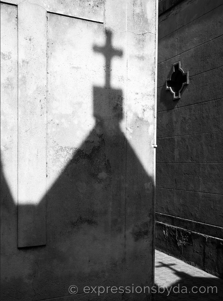 La Recoleta Shadows